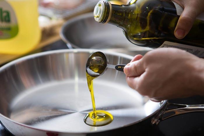 Оливковое масло для жарки: какое лучше, вредно или нет, чем можно заменить